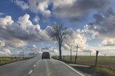 Paisagem abstrata com carro — Fotografia Stock