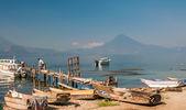 Molo v atitlan lake — Stock fotografie