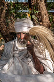 Holy man in Lalibela complex — Stock Photo