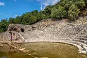 Ruinerna av ncient romerska teatern i butrint. — Stockfoto