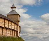 Medieval watchtower on the brink of precipice — Stock Photo
