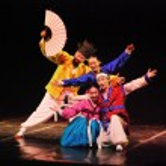 Dancer of traditional Korean dance — Stock Photo