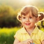 Beautiful girl smiling — Stock Photo