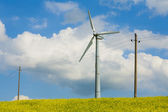 Wind turbine photographed at close range, propeller wind turbine — Stock Photo