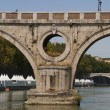 The Tiber River and its bridges — Stock Photo