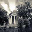 Villa Borghese in Rome,the lake — Stock Photo