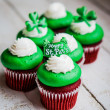 St.Patrick's Day velvet cupcakes — Stock Photo