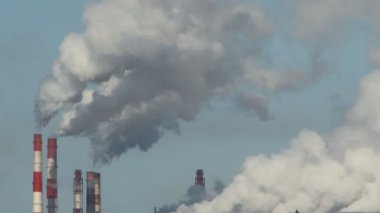 Factory smoke emissions over the city, winter — Vídeo Stock