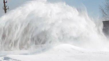 铲雪机和铲的男人 — 图库视频影像
