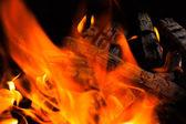 Burning fire wood — Стоковое фото