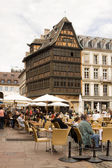 Open-air cafe on the Cathedral square in the centre of Strasbourg — Stock Photo
