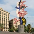 "Roy Lichtenstein's ""Barcelona face"" sculpture. — Stock Photo"