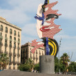 "Roy Lichtenstein's ""Barcelona face"" sculpture. — Stock Photo #32972389"