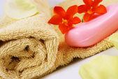 Мыло и полотенце — Стоковое фото