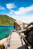 The old wooden bridge of Koh Nang Yuan — Stock Photo