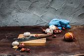 Shallots , Onion , Garlic , Chopping board and Knife  — Stock Photo