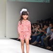 THAILAND, BANGKOK- OCT 2013 : A model walks the runway at the Gi — Stock Photo #33040417