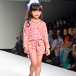 THAILAND, BANGKOK- OCT 2013 : A model walks the runway at the Gi — Stock Photo #33040793