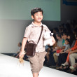 THAILAND, BANGKOK- OCT 2013 : A model walks the runway at the LE — Lizenzfreies Foto
