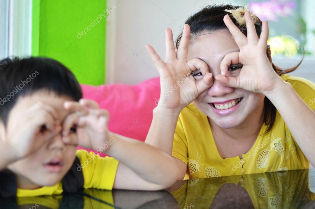 азиатские мамы друг и сын
