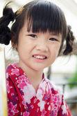 Niño asiático en traje tradicional japonés — Foto de Stock
