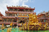 Vacker kinesisk tempel i thailand. — Stockfoto