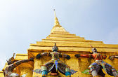 Guardian of Wat Pra Kaew Grand Palace ,Bangkok ,Thailand. — Stock Photo