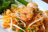 Thai food, stir-fried rice noodles (Pad Thai). — Stock Photo