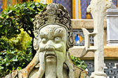 Guardian statue (yak) at the temple Wat phra kaew in the Grand p — Stock Photo