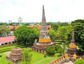 Buddhistiska tempel - wat yai chai tailand på historiska staden ayutth — Stockfoto
