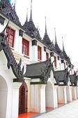 Eisen Tempel Loha Prasat in Wat Ratchanatdaram Worawihan, Bangkok — Stockfoto