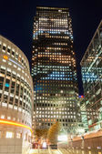 Canary Wharf and The Thomson Reuters buildings — Stock Photo