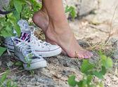 Com os pés descalços — Foto Stock
