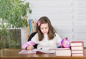 Dívka studium — Stock fotografie
