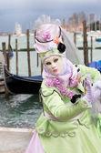 Carnival mask and gondolas — 图库照片