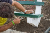 Installing new bench in the park 3 — Stock Photo