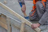 Working with an ax, Wood frame safety fence — Foto Stock
