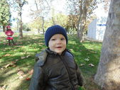 Sister and brother in autumn park N 6. — Stock Photo