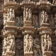 Detail of carving on a temple in Khajuraho, Madhya Pradesh, Indi — Stock Photo