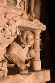 Sculptures of a mythical animal in the temples of Khajuraho, India — Stock Photo