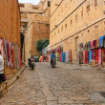 16.10.2012 - Jaisalmer. Rajasthan. India. Shopping street in the fort of Jaisalmer. — Stock Photo