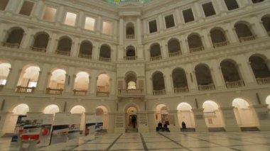 Das Innere des historischen Gebäudes — Stockvideo