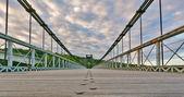 Vägen på bron — Stockfoto