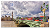 View on the Palace of Westminster from the River Thames, London, United Kingdom — Stock Photo