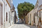 Narrow street in Tarbarca, Alicante, Spain — Stockfoto