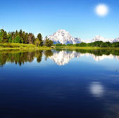 Beautiful Oxbow bend with background sun — Stock Photo