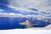 The deep blue beautiful crater lake — Stock Photo