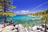 Beautiful lake tahoe beach — Stock Photo
