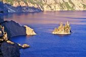 Beautiful crater lake and wizard island — Stock fotografie