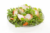 Salada fresca na placa isolada. — Fotografia Stock